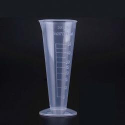 كوب قياس مخروطي بلاستيكي